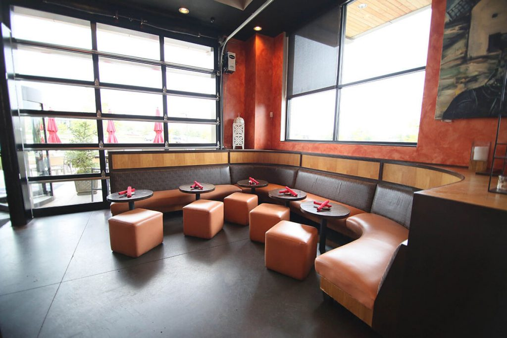 LaBodega-Leawood-Corner-Seating2